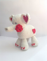 https://www.ravelry.com/patterns/library/tons-of-love-elephant