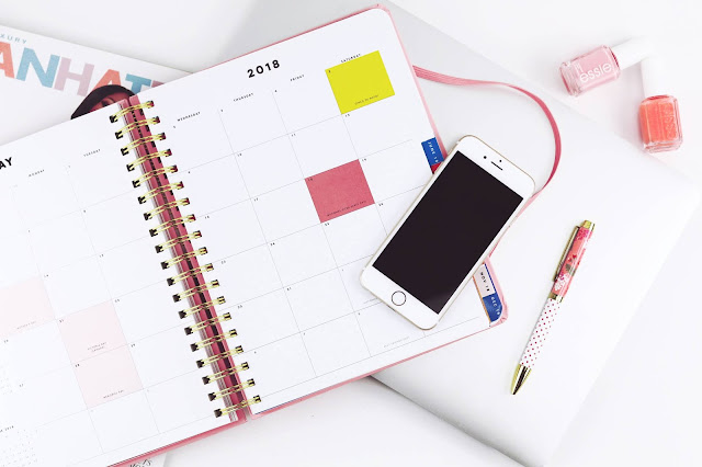 calendar and mobile phone Photo by Jealous Weekends on Unsplash