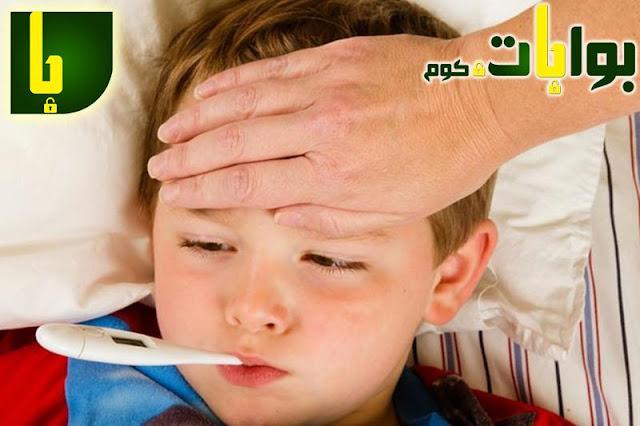 كيف تخفضين من حرارة طفلك باستخدام الأعشاب والطب البديل؟