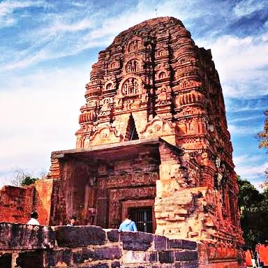Red Symbol Of Love Laxman Mandir  प्रेम का लाल प्रतीक लक्ष्मण मंदिर