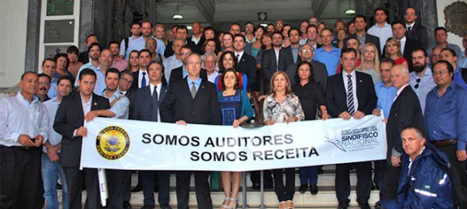 URGENTE: Centrão anuncia que vai recuar no caso dos Auditores da Receita