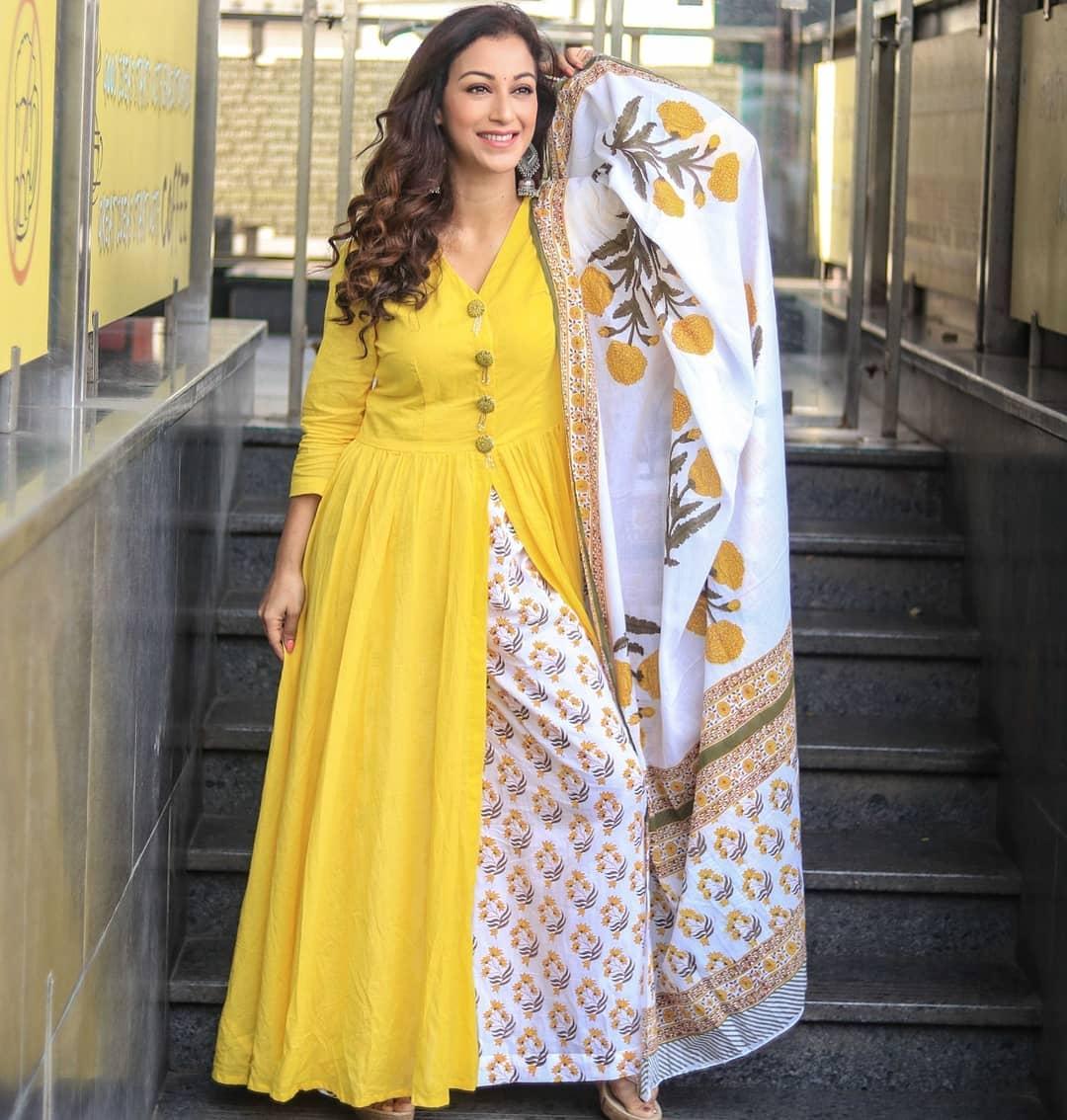 Sunayana Fozdar (New Anjali Bhabhi TMKOC) HD Photos