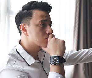 Billy Davidson pemeran Alex