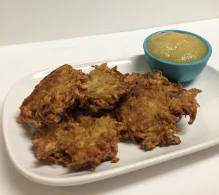 Featured Recipe | Potato Latkes from Cookaholic Wife #SecretRecipeClub #recipe #sidedish #potato