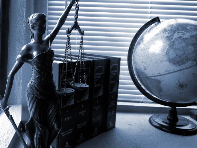 Tantangan Bagi Advokat di Era Revolusi Industri 4.0.