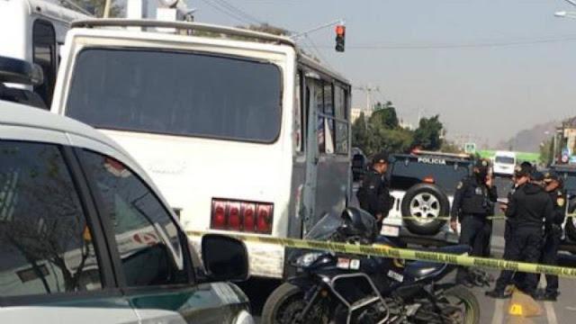 Mujer justiciara, no soporto más , saco su pistola y mato a ladrón arriba del microbús en Tláhuac