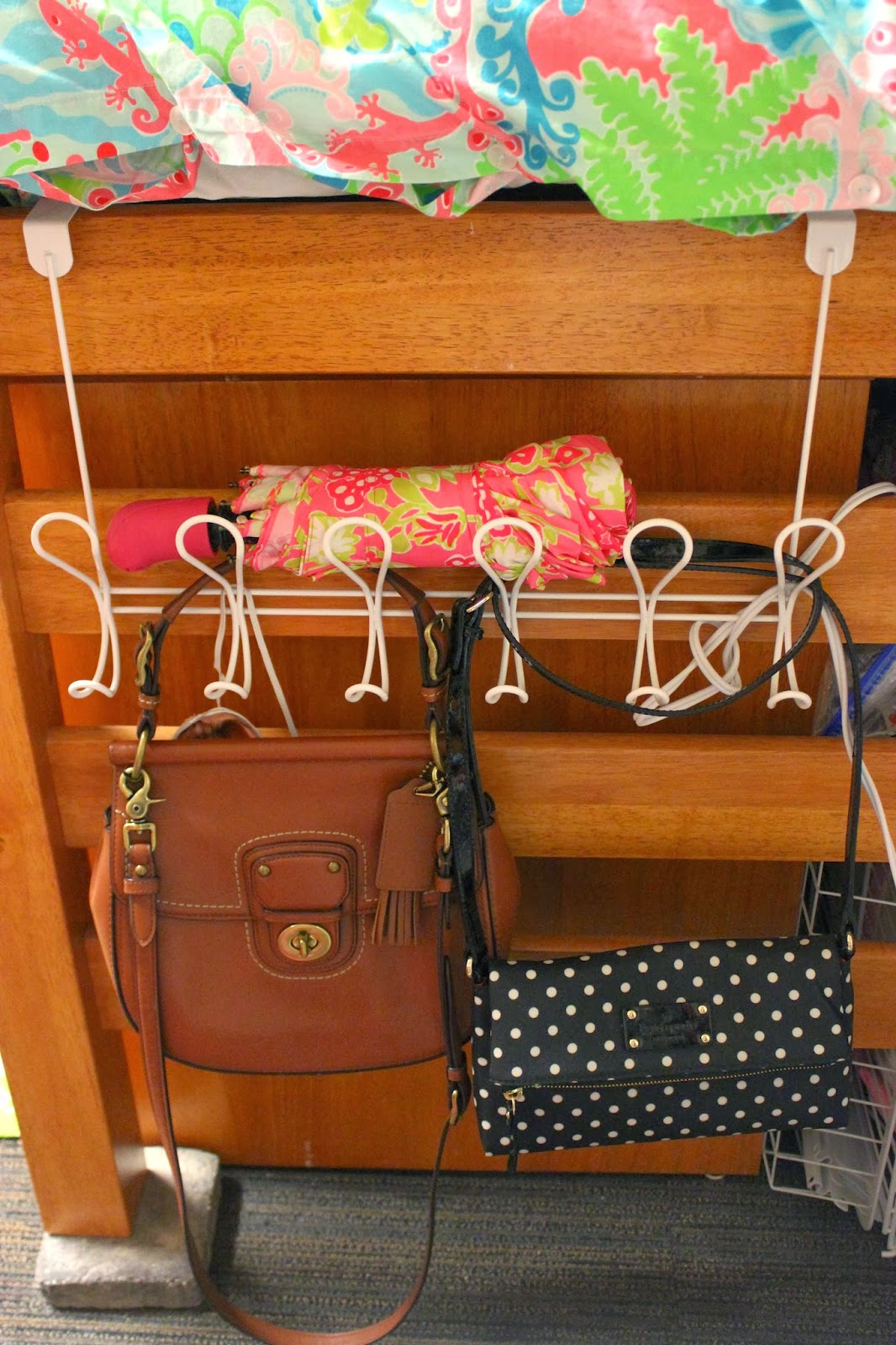 Dorm Room: Dorm Room Essentials!
