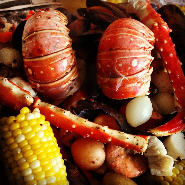 how to make a seafood boil, eating fabulously, christopher stewart