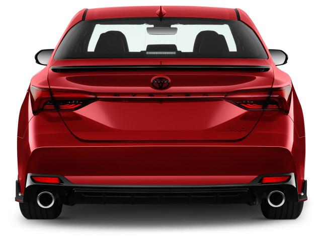 2020 Toyota Avalon Review