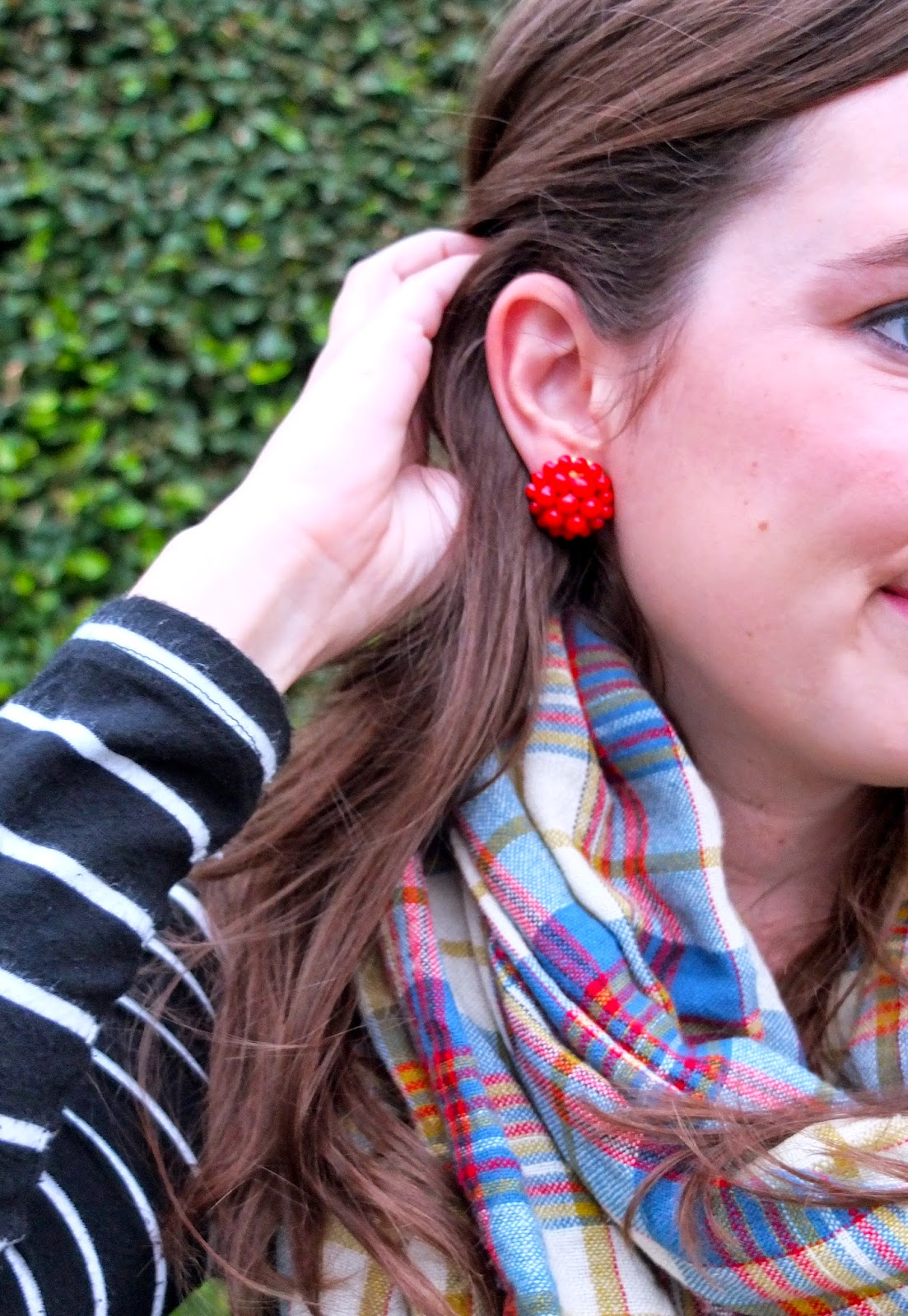 Lisi Lerch Earrings, Lisi Lerch Red Earrings, Lisi Lerch Button Earrings, Lisi Lerch Button, Red Button Earrings, The Lone Star Looking Glass Blog