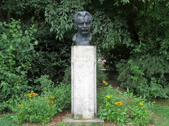 Bust of Georges Brassens by André Greck, Parc Georges-Brassens, Paris