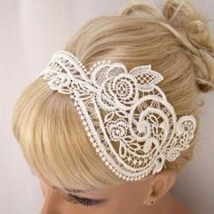 lace headband wedding look