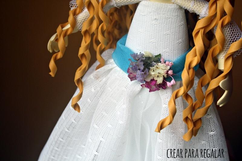fofucha primera comunion cinta de tul con flores secas