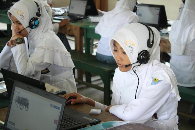 SMK Bustanul Ulum - Tahun ini Provinsi Jawa Timur menginstruksikan semua jenjang SMK di bawah naunagan Dinas Pendidikan Provinsi Jawa Timur diwajibkan untuk melaksanakan Ujian Nasional Berbasis Komputer (UNBK) tahun 2017. Maka dengandemikian SMK Bustanul Ulum juga sudah mempersiapkan jauh-jauh hari.