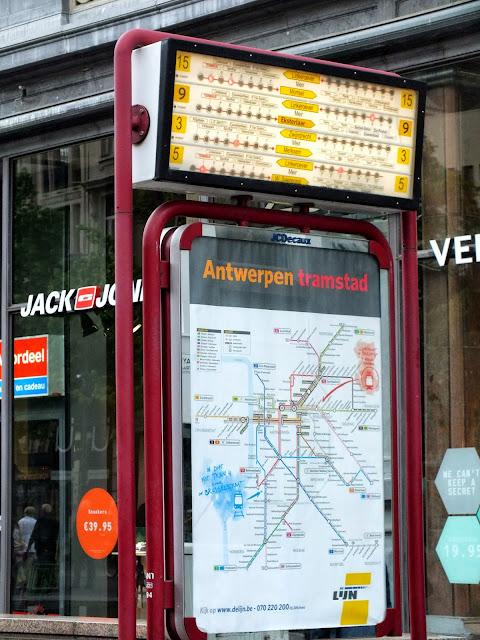 panel del metro amberes