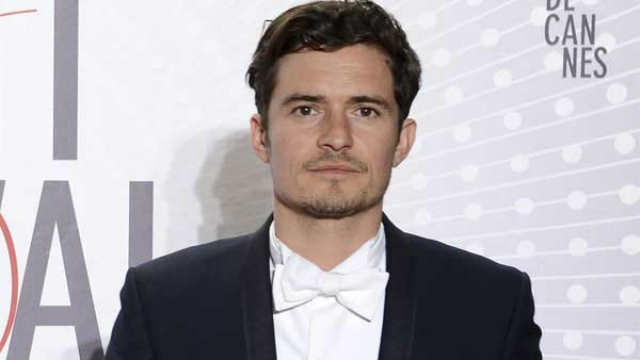 Ator Orlando Bloom está pelado na praia - Volume na Cueca Orlando Bloom Katy Perry