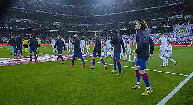 What's the story behind Fifa 5 substitution rule ?.