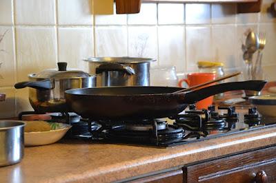 saltear verduras en la cocina de la abuela