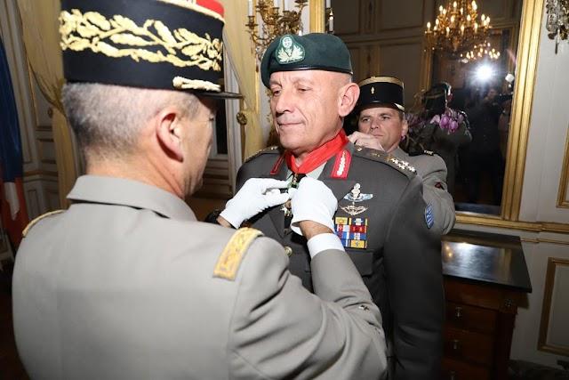 Αρχηγός ΓΕΕΘΑ: Τιμήθηκε με το μετάλλιο Λεγεώνας της Τιμής στο Παρίσι (ΦΩΤΟ)
