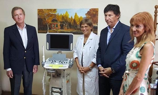 Autoclásica donó equipo al Hospital de San Isidro