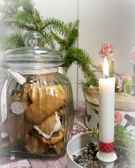 sydän joulutortut karkkikepit piparkakkumuotti joulunherkku