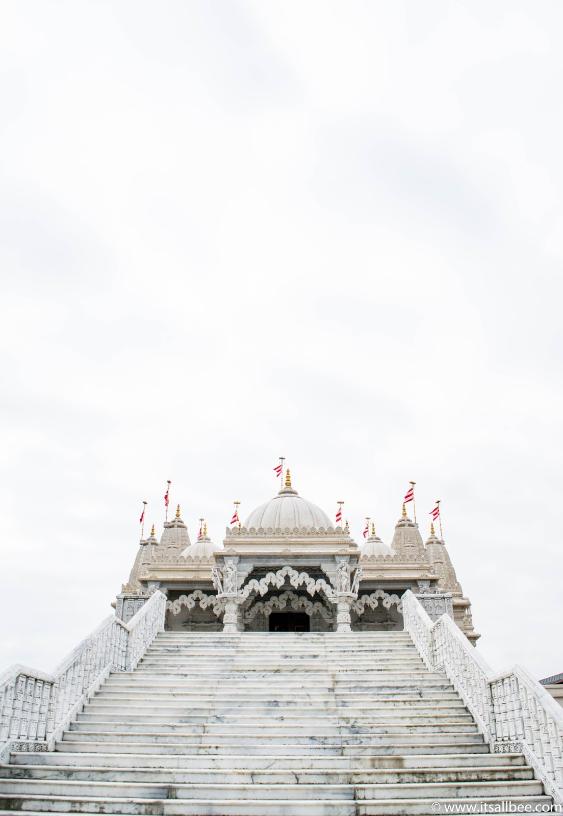 You wont believe this insanely beautiful temple is in London | Neasden temple | Baps Shri-Swaninarayan Mandir