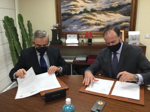 La Fundación Caja Rural del Sur y la Hermandad de la Soledad de San Lorenzo firman un acuerdo para el Proyecto Azarías