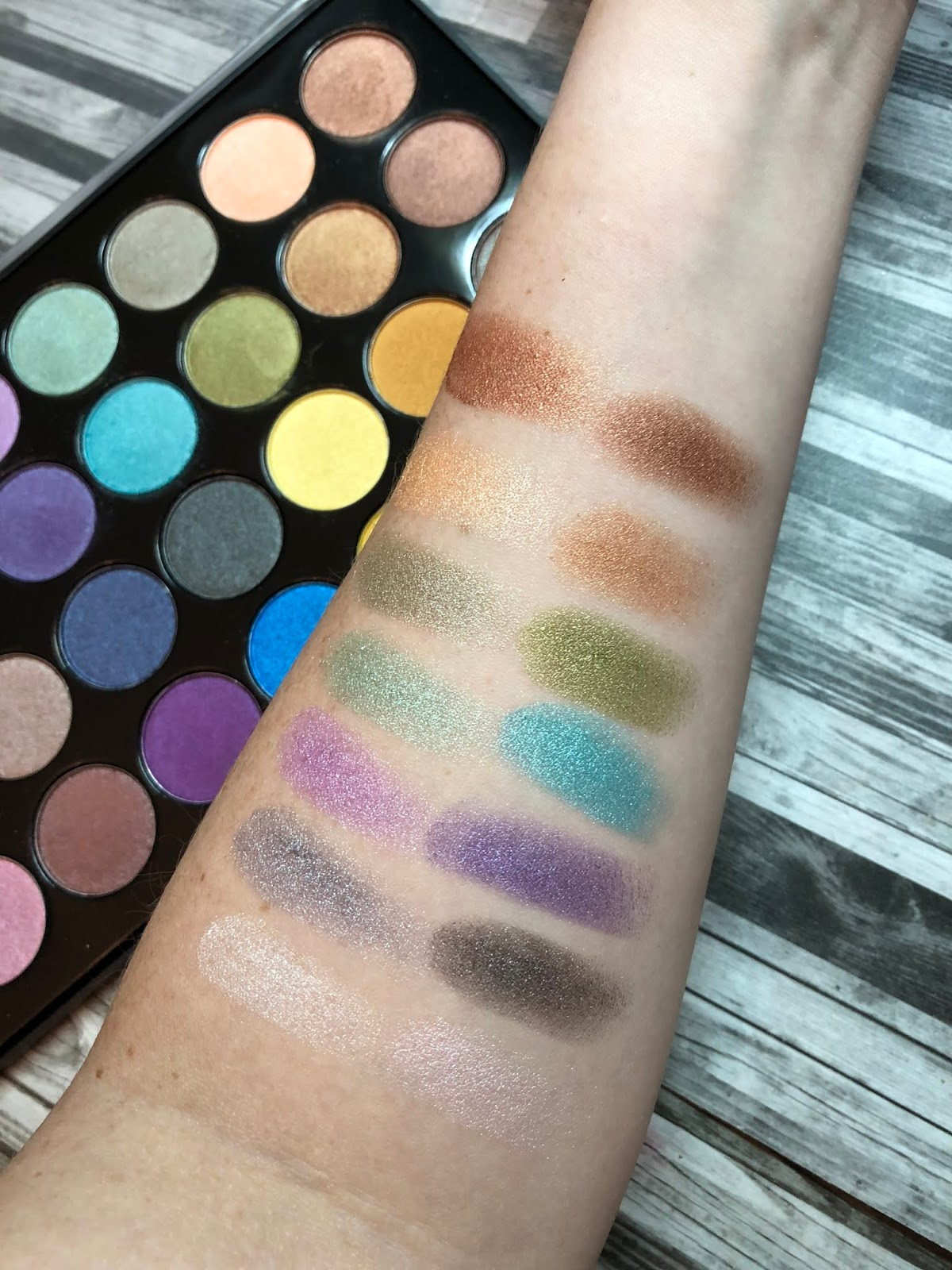 Foil Eyes 28 Color Eyeshadow Palette by BH Cosmetics #3