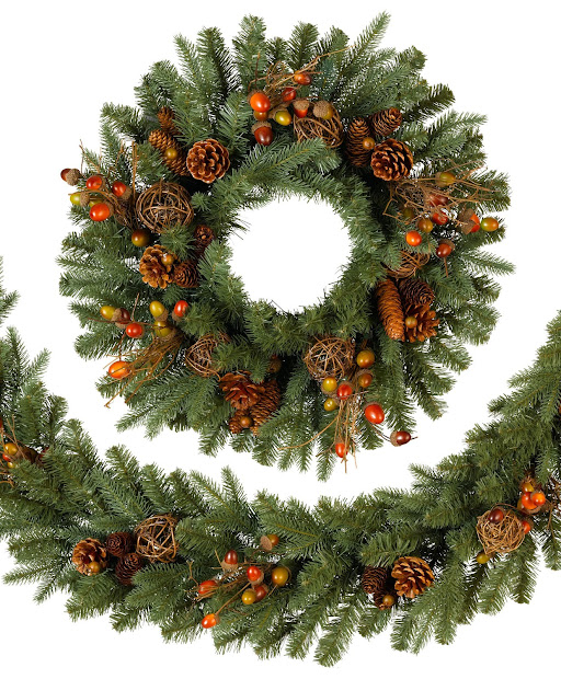Christmas Wreath with Garland
