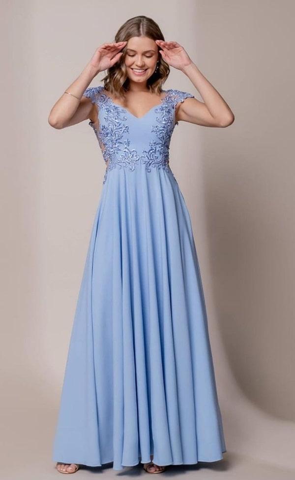 vestido longo azul serenity com manga curta para madrinha de casamento