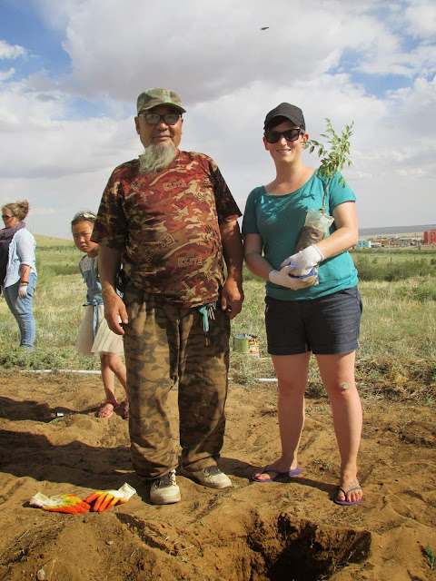 Tree planting in Mongolia's middle Gobi Desert