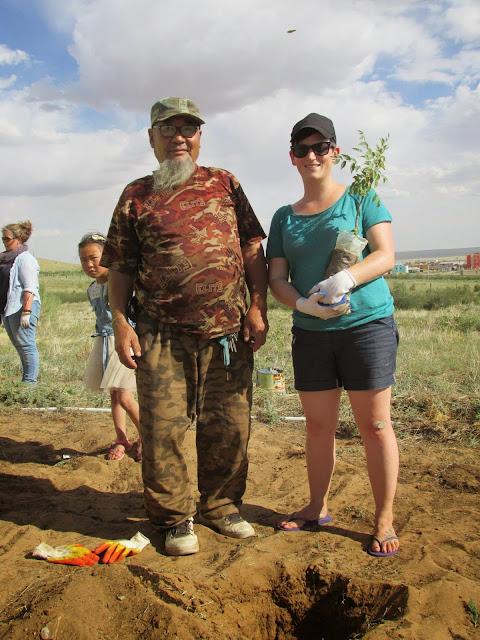 Tree planting in Mongolia's middle Gobi Desert