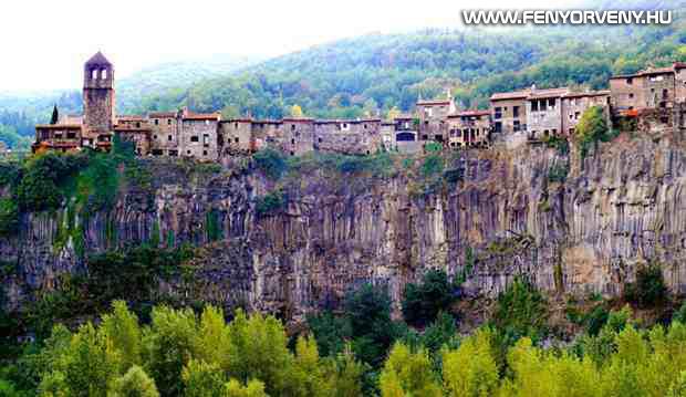 Castellfollit de la Roca, Spanyolország