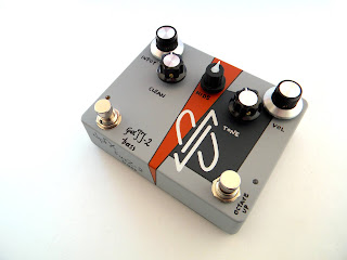 FuzZ-2 Bass w/ Clean Blend, Octave & Mids filter