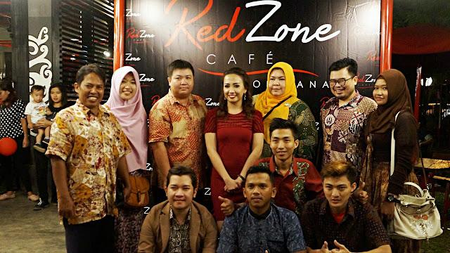 Gank icip icip bersama Bu Angel (owner) di RedZone di Komplek Museum Kalimantan Barat