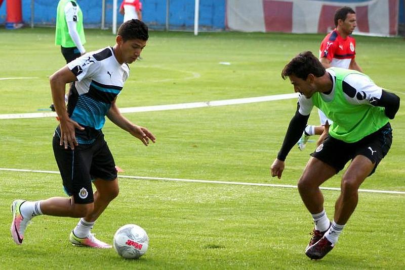 Ángel Zaldívar regresa al Chiverío tras pretemporada con la Selección Olímpica.