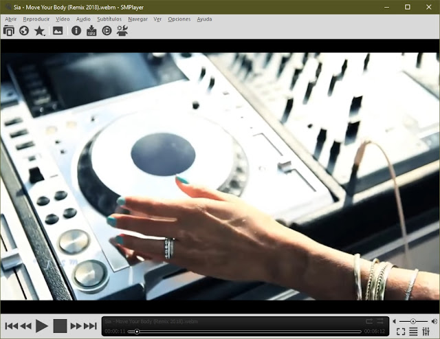 SMPlayer 21.1.0 - Rápido reproductor multimedia con codecs incorporados