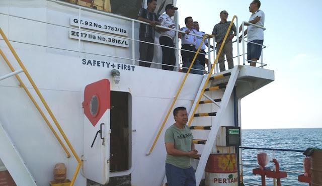 Bupati Lakukan Tes Pelayaran Kapal Bantuan Pemerintah