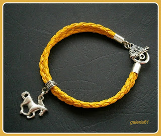 bransoletka żółta, rzemyk pleciony, zawieszka koń