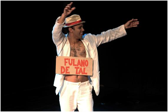 Ator da zona sul de SP apresenta espetáculo no Teatro Tucarena