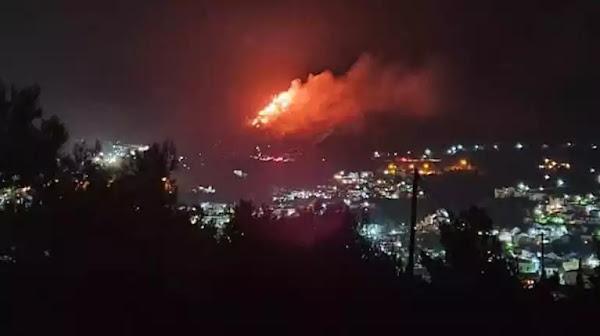 Έβαλαν πάλι φωτιά στο ΚΥΤ Σάμου, αλλά πρόλαβε να την ελέγξει η Πυροσβεστική (video)