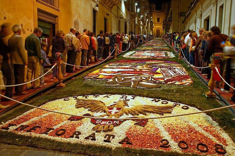 Las alfombras de flores de L'Infiorata | Italia