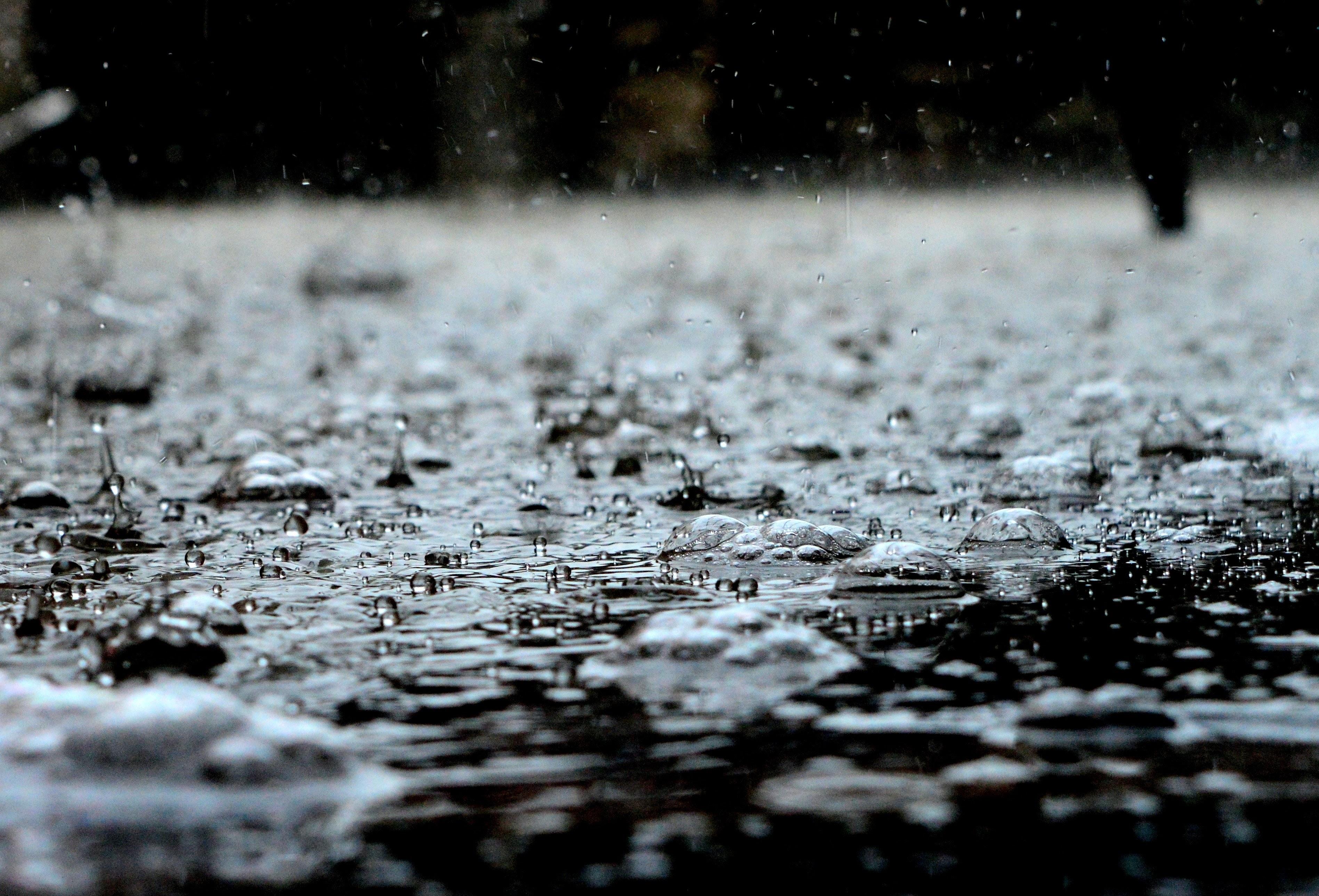 Καιρός: Συννεφιά και τοπικές βροχοπτώσεις, πού θα χιονίσει