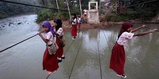 Permasalahan pendidikan di Indonesia dan Singapura