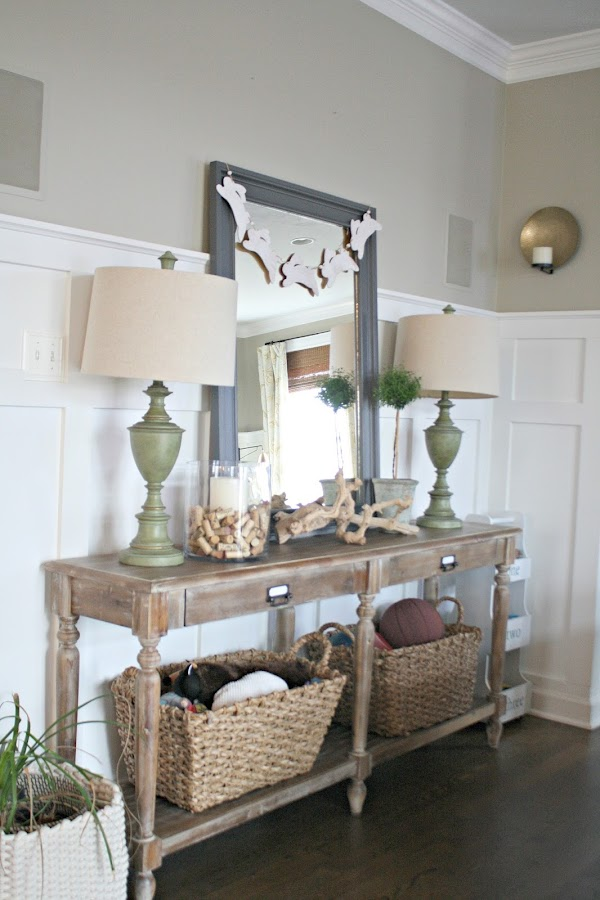 Decorating a foyer or hall table