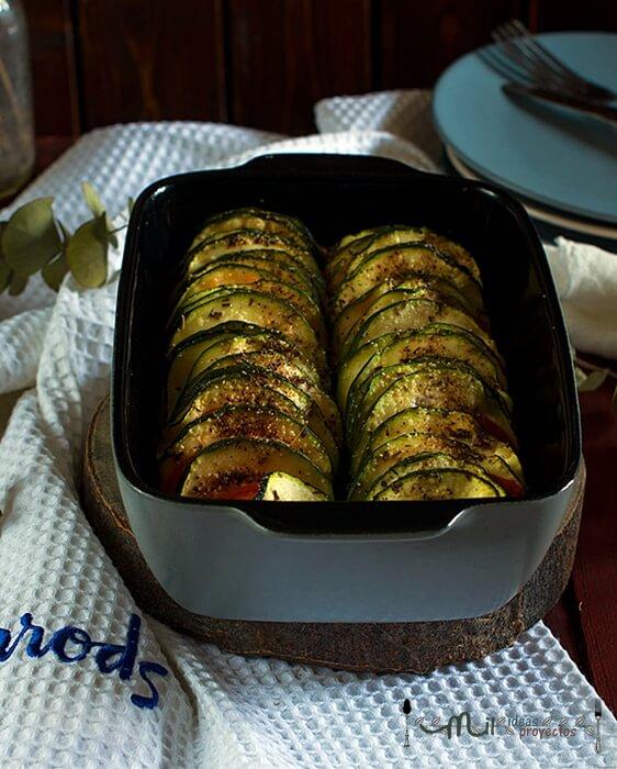 preparacion-receta-milhojas-calabacin-tomate-microondas2
