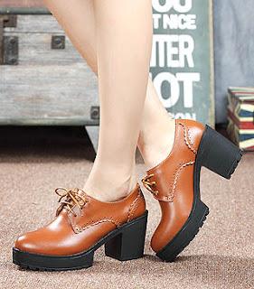 Lebih nyaman kuliah dengan memakai sepatu wanita gaya man shoes