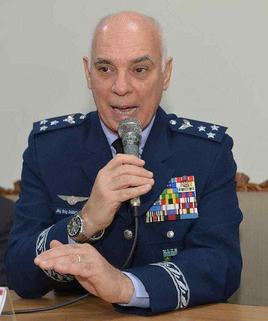 Major Brigadeiro-do-Ar Marcelo Kanitz Damasceno, chefe de gabinete do Comandante da Aeronáutica falando no IPCO
