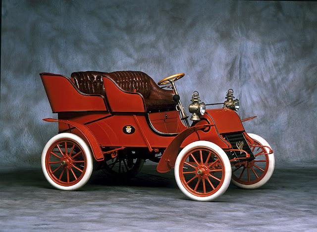Cadillac Rear Entry-Side 1903
