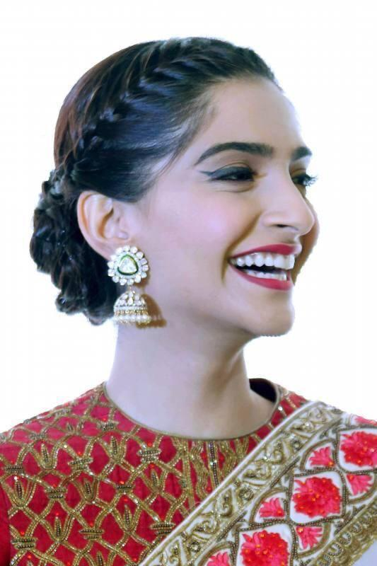 Sonam Kapoor Polki and Nakshi Earrings